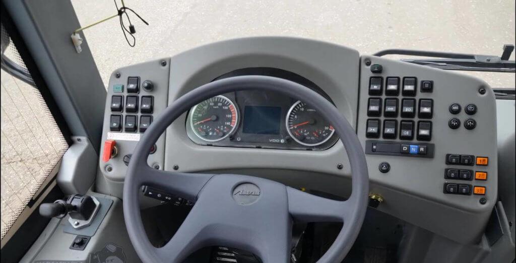 Руль и панель приборов автобуса ЛиАЗ 5292-60